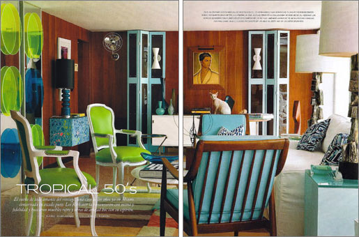 Miami house designed by Doug Meyer featuring Finn Juhl chairs, Gene Meyer rug and Emilio Pucci pillows. AD Spain.